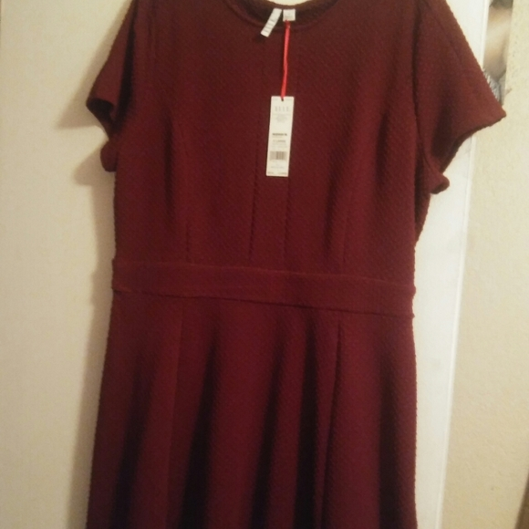 Elle Dresses & Skirts - NWT Aline Deep Burgundy short sleeve dress Sz XL